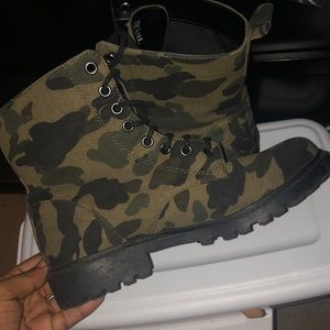 H&M Shoes - Army fatigue Boots